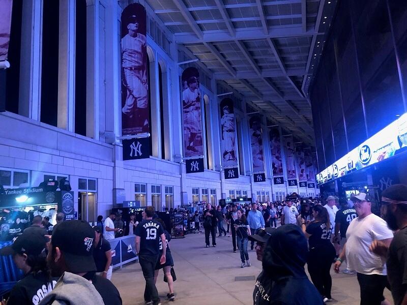 The Stadium Reviews New Yankee Stadium