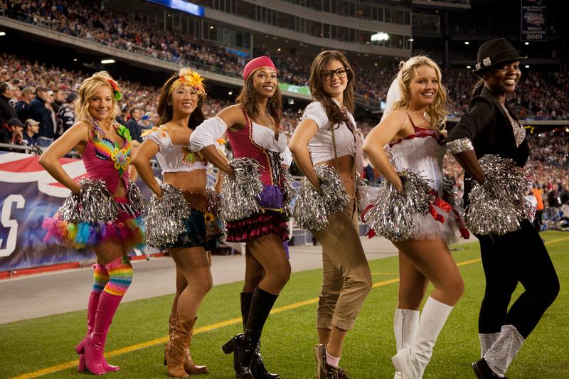 how much money do nfl cheerleaders make