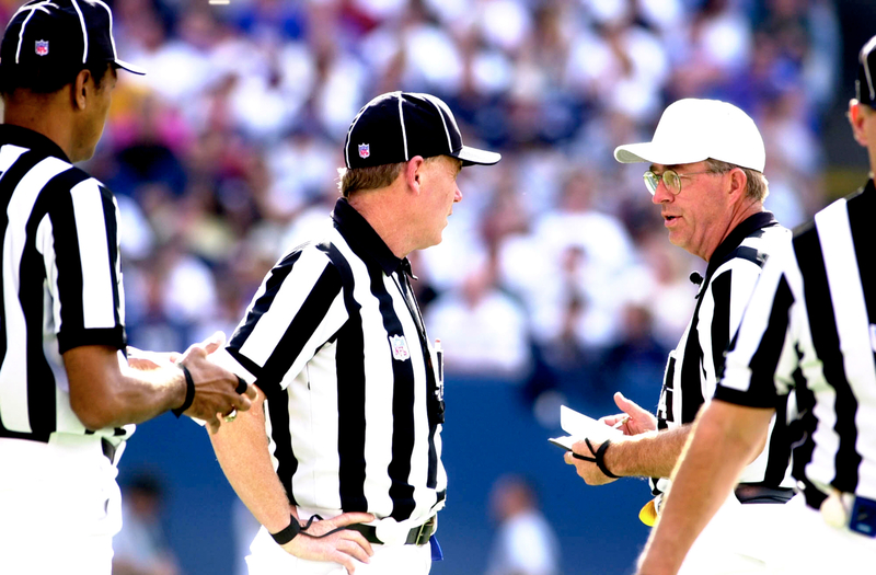 what is the difference between a false start and offsides penalty